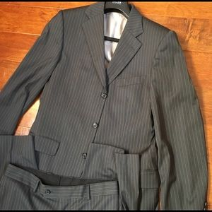 Hugo Boss 40L Gray Pinstripe Mens Suit Pant Jacket